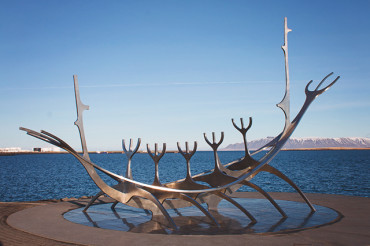 Visit Iceland on your way to Europe – The Icelandair Stopover