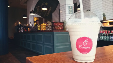 Smoothies, juices and yummy sandwiches at Lemon in Laugavegur