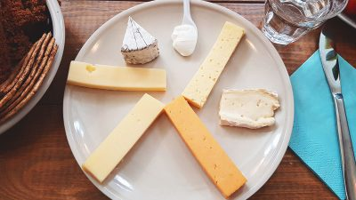 Eating Cheese and Skyring it up with Búrið